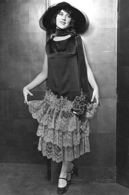 1920sfashion_scarves_look1