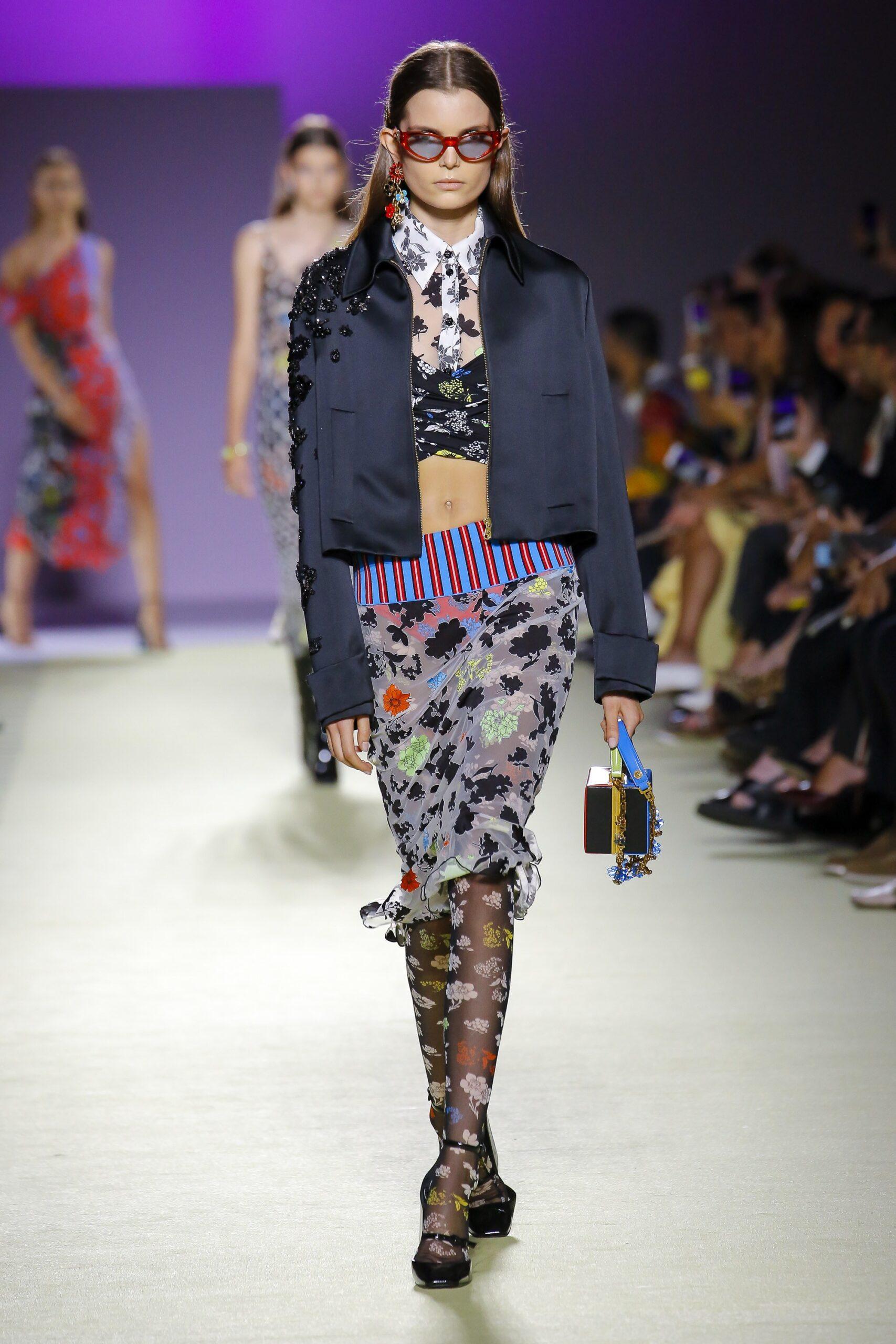 versace_scarves_look4