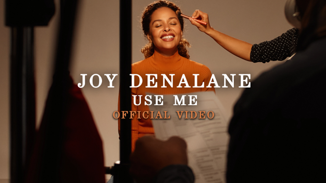 Joy Denalane singing Use Me by Bill Withers