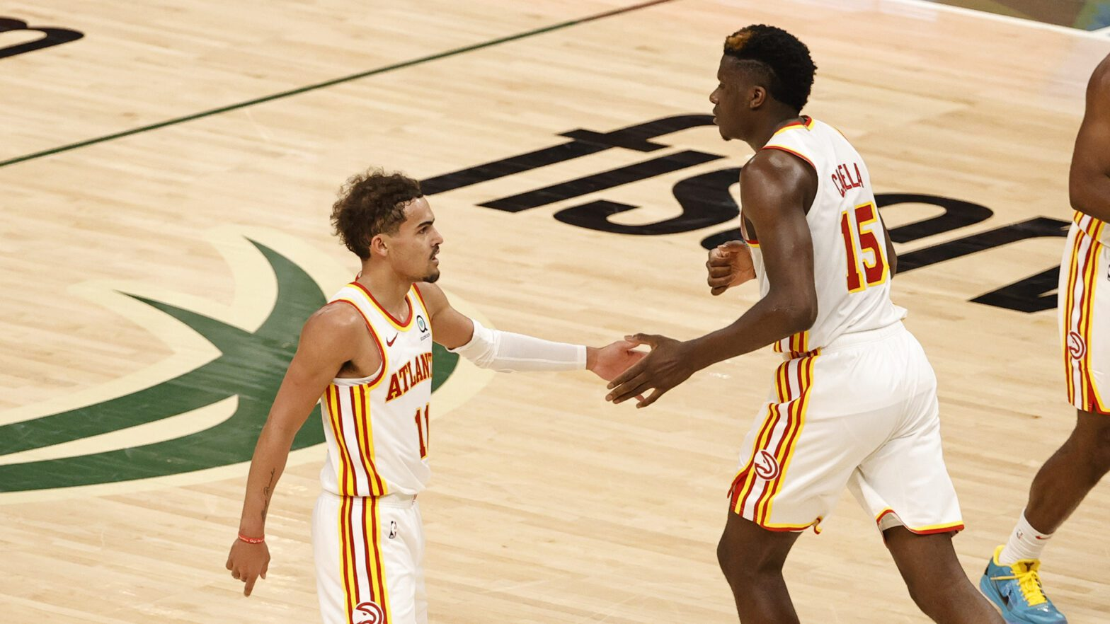 With plenty of help, Trae Young dazzles in Game 1 win over Bucks | NBA.com