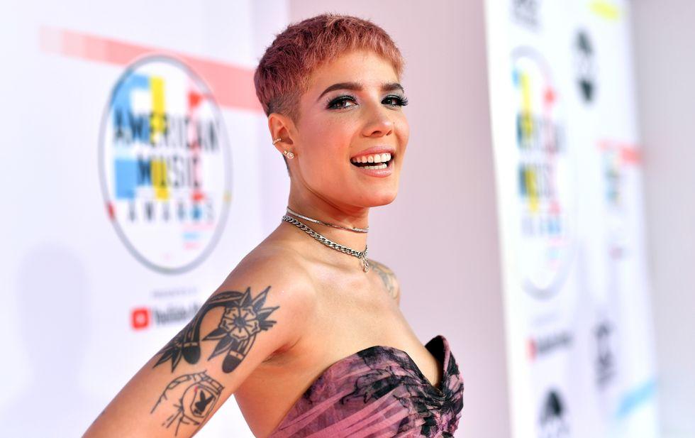 Singer-songwriter Halsey